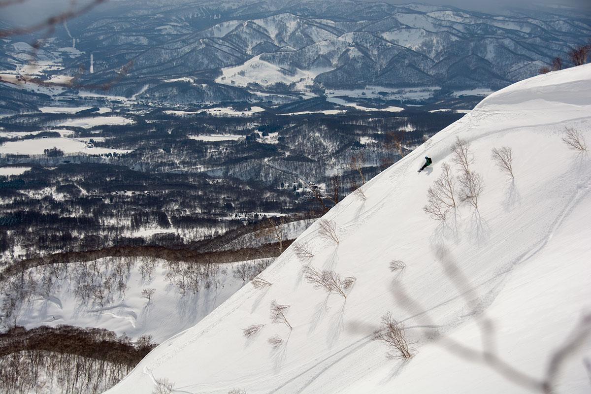 snowboarding Kozan no Sawa on Niseko Annupuri