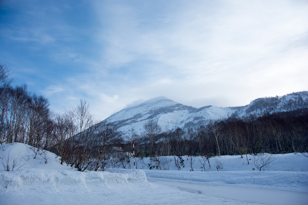 looking at the peak on Niseko Annupuri in mid December 2015