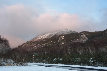 westside of (Mt.) Niseko Annupuri with first 10cm of snow